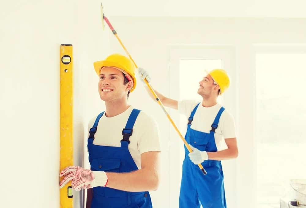 אילו בעלי מקצוע צריך עבור שיפוץ דירה?